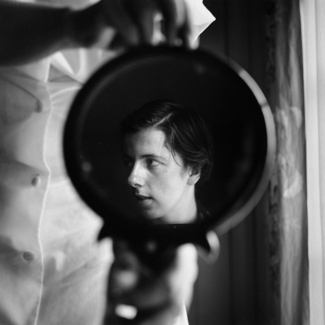 Vivian Maier. Sans lieu, 1955 tirage argentique, 2014 © Estate of Vivian Maier, Courtesy of Maloof Collection and Howard Greenberg Gallery, NY